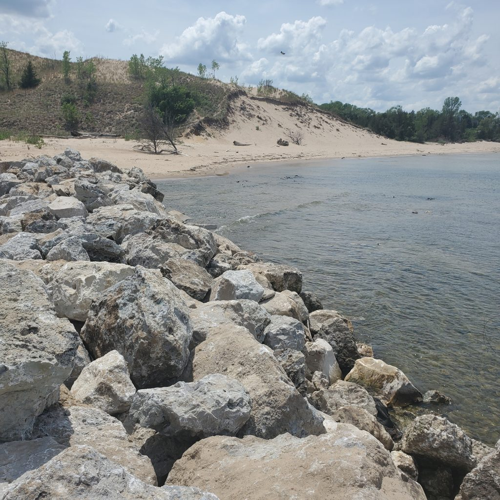 Shoreline Aggregate Armour Stone Aggregate in River Revetment and shoreline protection